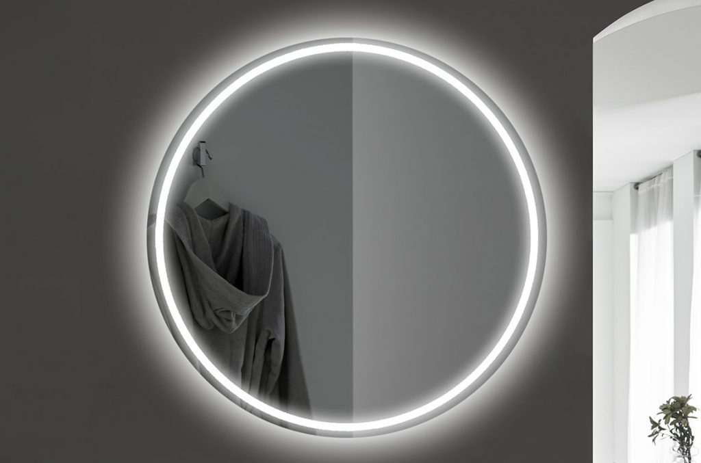 UMA Illuminated Mirror
